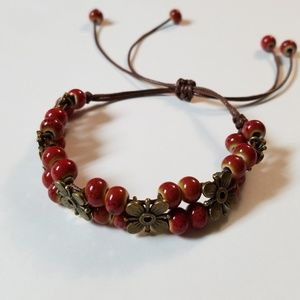 Jewelry - 3/$20 💜 Red Beaded Leather Gold Floral Bracelet
